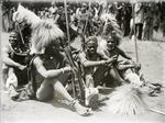 ETH-BIB-Ruhepause im Löwentanz der Waikoma-Kilimanjaroflug 1929-30-LBS MH02-07-0335.tif
