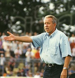 Eckhard Krautzun - Krautzun as FC St. Pauli manager in July 1997