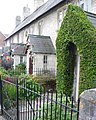Estate Cottages, Puddletown - geograph.org.uk - 881297.jpg