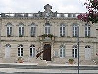 Etauliers mairie.JPG