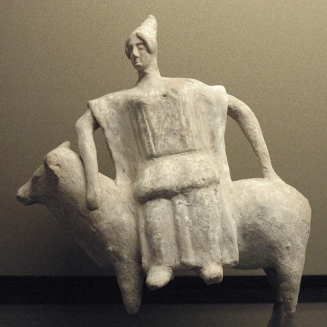 https://upload.wikimedia.org/wikipedia/commons/thumb/e/e3/Europa_bull_Louvre_MNC626.jpg/640px-Europa_bull_Louvre_MNC626.jpg