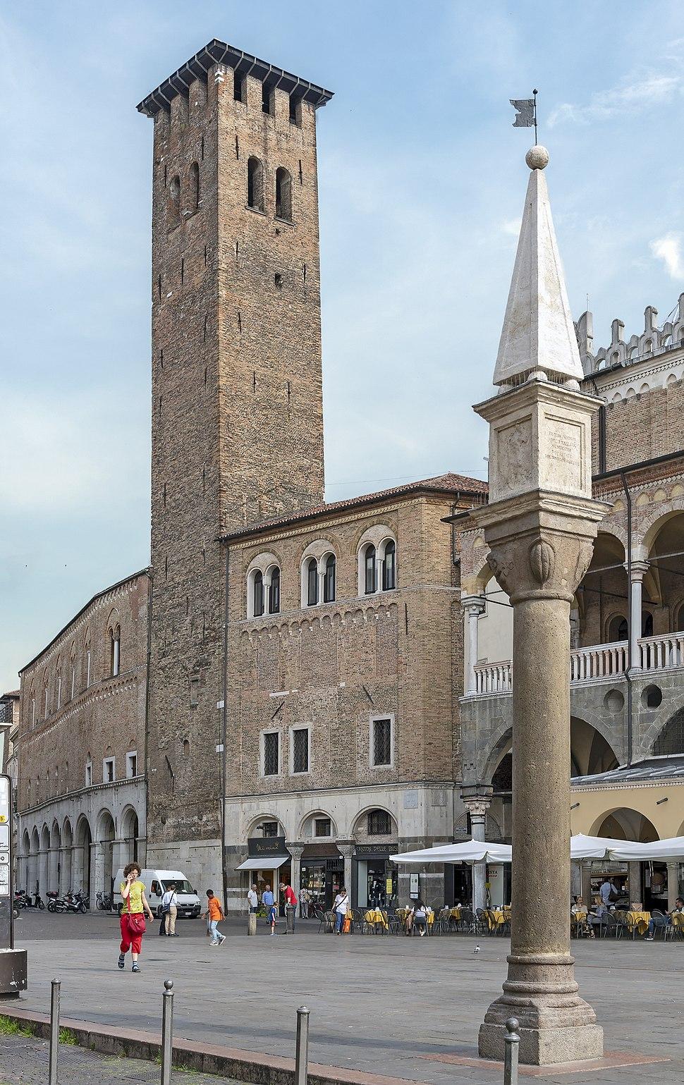 Exterior of Palazzo della Ragione (Padua) - Torre degli Anziani