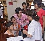 Eye screening for kindergarten children in Quoc Oai district of Hanoi (14310289894).jpg