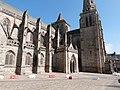 Façade sud de la cathédrale dans sa partie occidentale.jpg