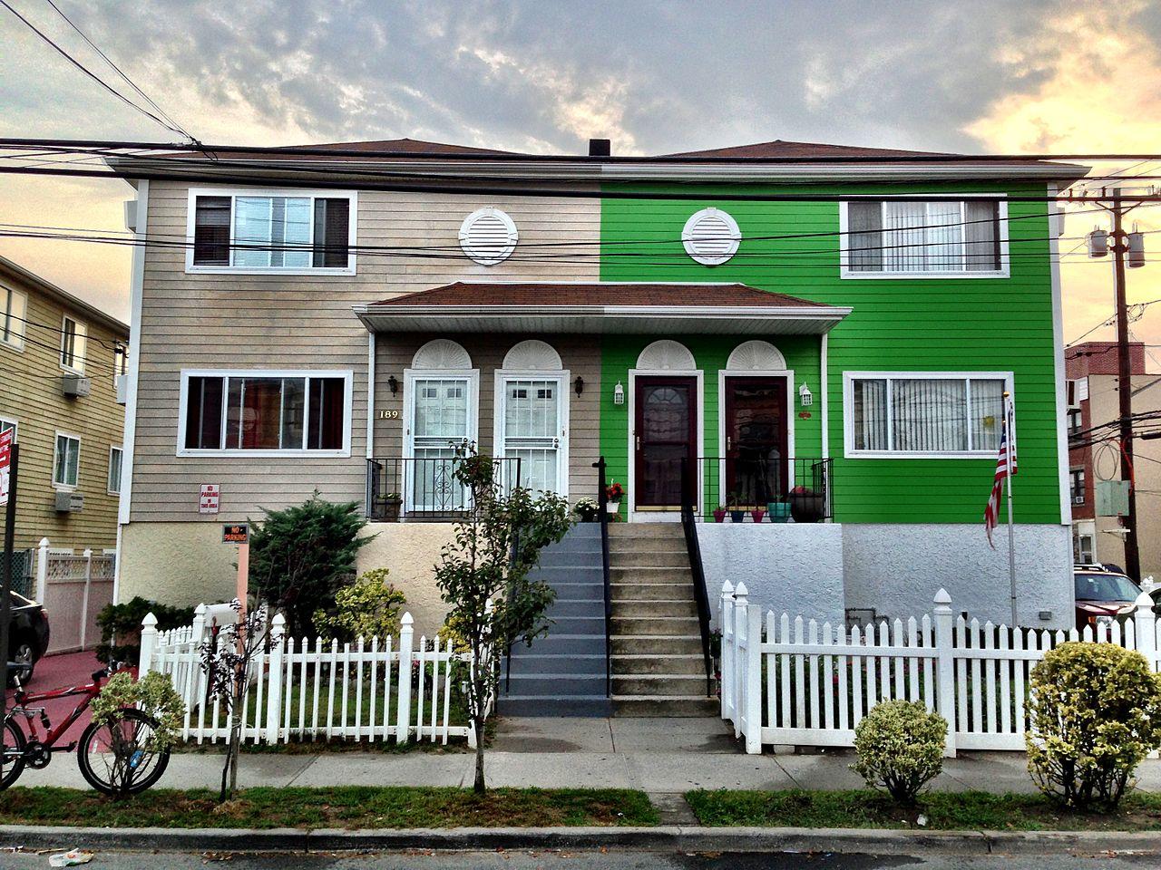 filefar rockaway homes design new york 2013 shankbonejpg - Design Homes Wi