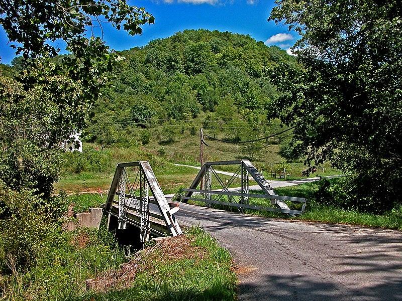 File:Fishing Gut Creek Valley (1290048676).jpg