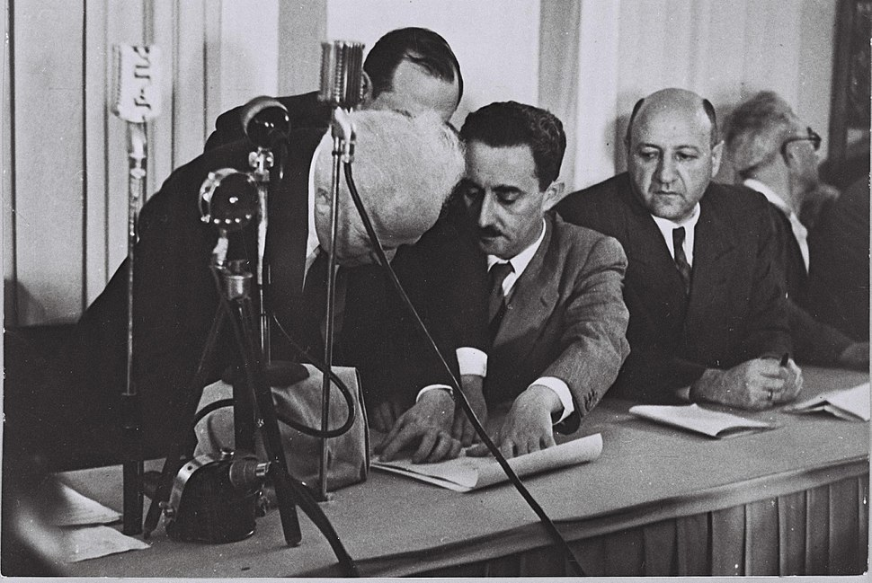 Flickr - Government Press Office (GPO) - Ben Gurion (Left) Signing the Declaration of Independence