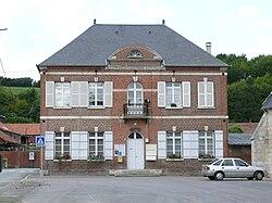 Fontaine Bonneleau - Mairie.JPG