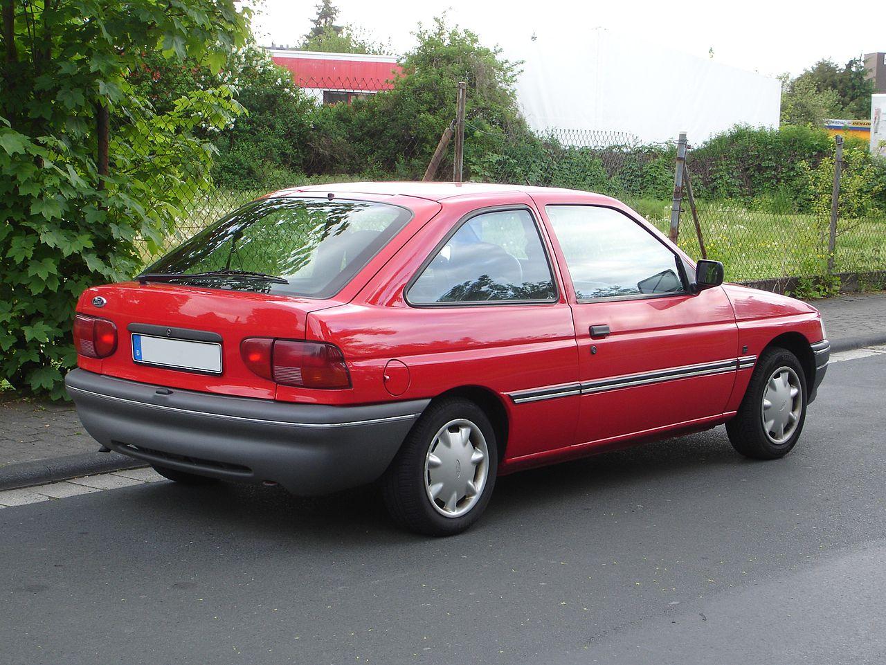 1993 ford escort lx sedan 1 9l manual rh carspecs us 1993 ford escort manual transmission 1993 ford escort manual transmission