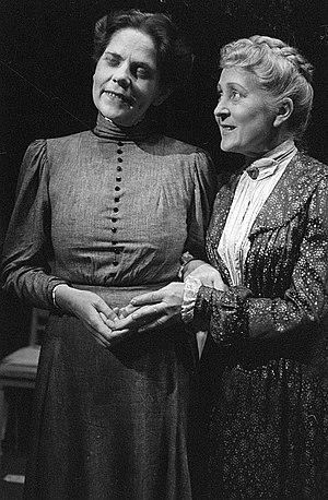 Erna Sellmer - Erna Sellmer (left) in 1945