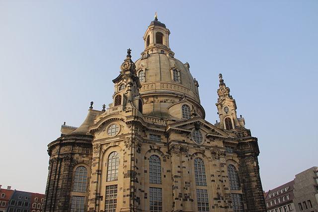 File frauenkirche 13638580343 jpg wikimedia commons for Hotelsuche dresden
