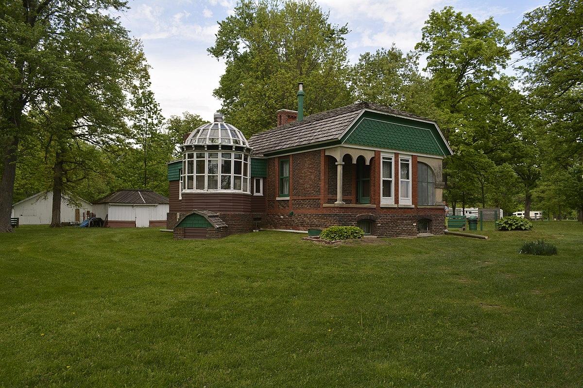 1200px Frederick Francis Woodland Palace Kewanee Illinois 2
