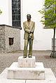 Friedrichshafen - Statuen - Vor der Kirche 001.jpg