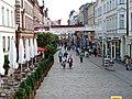 Fußgängerzone in Schwerin mit Restaurant Bolero auf der linken Seite im Bild - panoramio.jpg