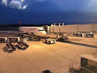 Greenville–Spartanburg International Airport - Delta Airlines A320 at Gate B3