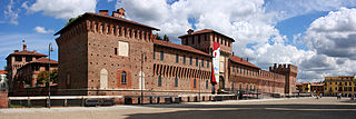 Galliate castello panoramica.jpg
