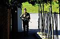 Gardist på vakt i Huseby leir.jpg