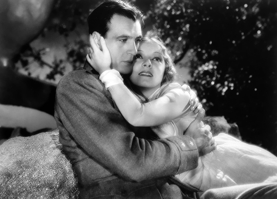 Gary Cooper-Helen Hayes in A Farewell to Arms