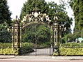 Gate to Queen Mary's Garden, Regent's Park - geograph.org.uk - 921121.jpg
