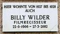 Gedenktafel Viktoria-Luise-Platz 11 (Schö) Billy Wilder.JPG