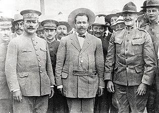 Gen Obregon, Villa, Pershing at Ft Bliss 1914.jpg
