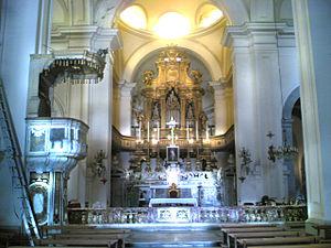 San Giacomo degli Spagnoli, Naples - Main altar and apse.