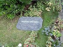 Grab von Stephan Hermlin.jpg