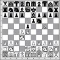 Großes Schach 10x10 1-abgelehntes Damengambit mit Rahmen 2 Pixel groß.png