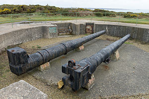 Canon de 220 L mle 1917 - Image: Gun emplacement at Battery Moltke, Les Landes, Jersey