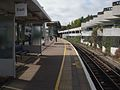 Gunnersbury station eastbound look west.JPG