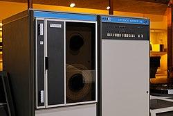 HP 3000 Series III.jpg