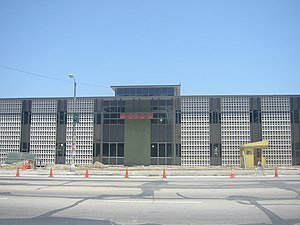"Hanna-Barbera - The former Hanna-Barbera building at 3400 Cahuenga Blvd. West in Hollywood, California, seen in a 2007 photograph. The small yellow structure (lower right) was originally the ""guard shack"" for the property entrance to the east of the building."