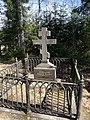 Hegumen Hariton grave New Valamo.jpg