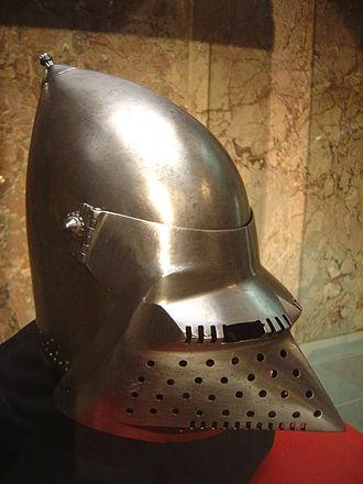 Visor (armor) - Image: Helm DSC02155
