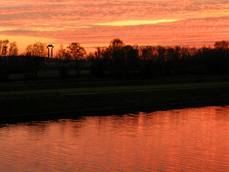 Hensies - Hensies: the Pommeroeul-Condé canal at sunset