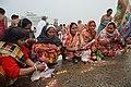Hindu Devotees Pray To Surya - Makar Sankranti Observance - Baje Kadamtala Ghat - Kolkata 2018-01-14 6869.JPG