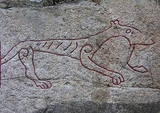 Gamla Turingevägen Inscriptions - Detail showing the beast on the Sö 313 image.