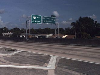 Interstate 95 in Florida - Remnant of sequential exit numbering, on the ramp from the southbound express lanes to SR 112 west