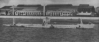 Type 3 submergence transport vehicle - Yu 1 in trial at Kudamatsu (1944)