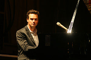 Michael Kaeshammer performing at the 2009 Wate...