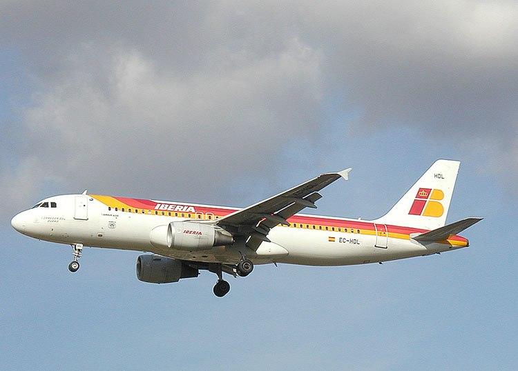 Iberia.a320-214.ec-hdl.750pix
