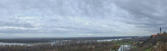 Ilok pogled na Dunav.jpg