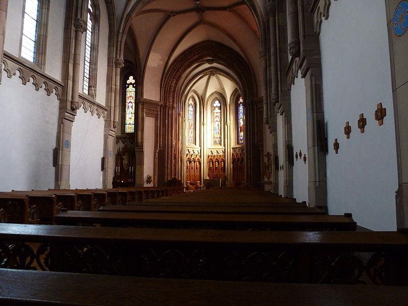 Nef de la chapelle Sainte-Anne du couvent de la Divine Providence de Saint-Jean-de-Bassel.