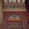 Interieur, bel-etage, voorzijde rechts (Vestibule van de Koninklijke Wachtkamer), muurschildering, Liggende vos met hoofddoek om en drie kippen met kuikens - Amsterdam - 20392786 - RCE.jpg