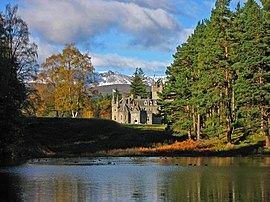 Invercauld House - geograph.org.uk - 423852.jpg