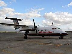 Island Air Dash 8-100 N829EX.jpg