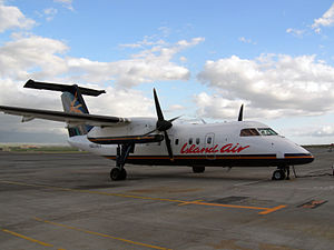 Island Air (Hawaii) - Dash 8-100 in the airline's pre-2006 livery