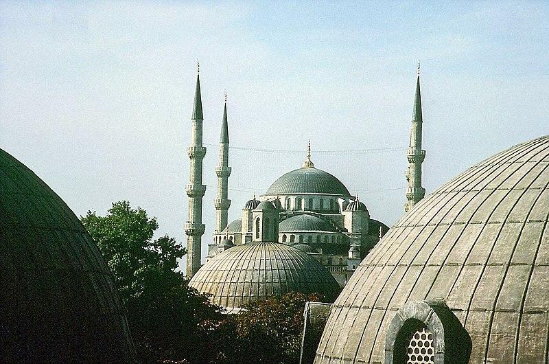 Dosya:Istanbul-Sultan-Ahmet-Camii.jpg