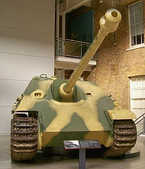 Jagdpanther - Front of early production Jagdpanther coated in Zimmerit, Imperial War Museum, London.