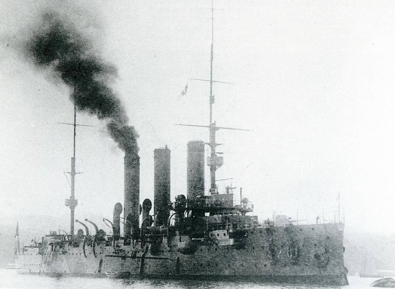 1280px-Japanese_cruiser_Tsugaru_in_1912.